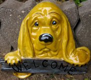 Hand Painted - Plaque Dog Hound Welcome