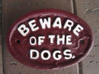 Hand Painted - Plaque Beware Of The Dogs Oval Small