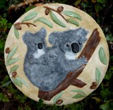 Hand Painted - Plaque Koala with Baby Round