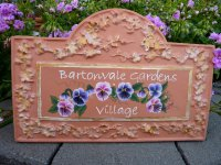 PERSONALISED - HAND PAINTED PLAQUE VINE ARCHED RECTANGLE
